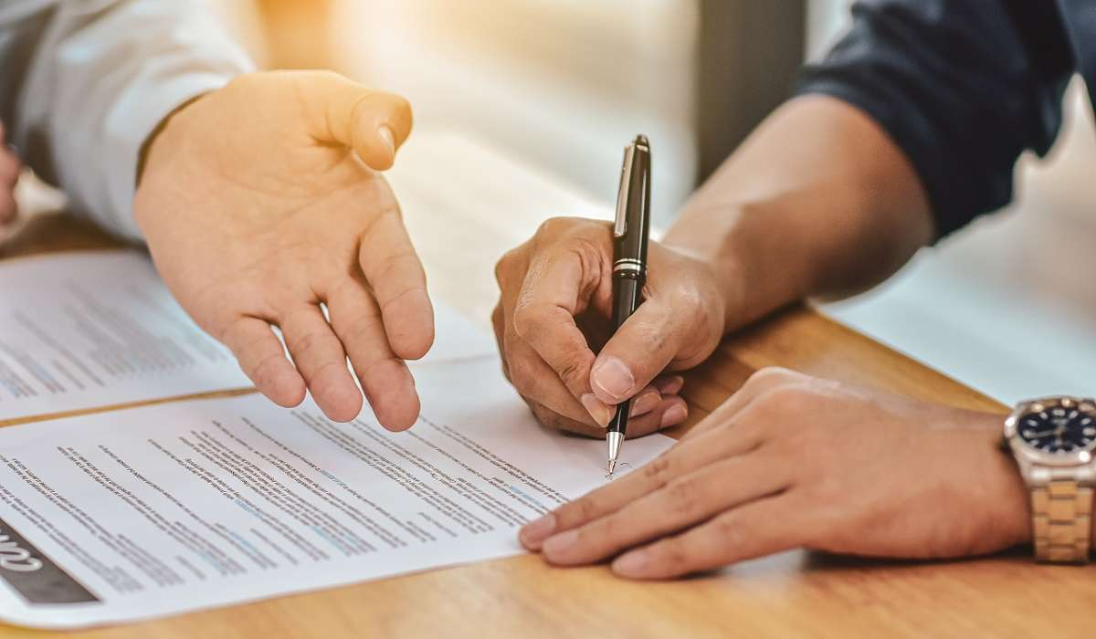 What is the Effective Date of the Contract and the Time of Ownership Transfer?