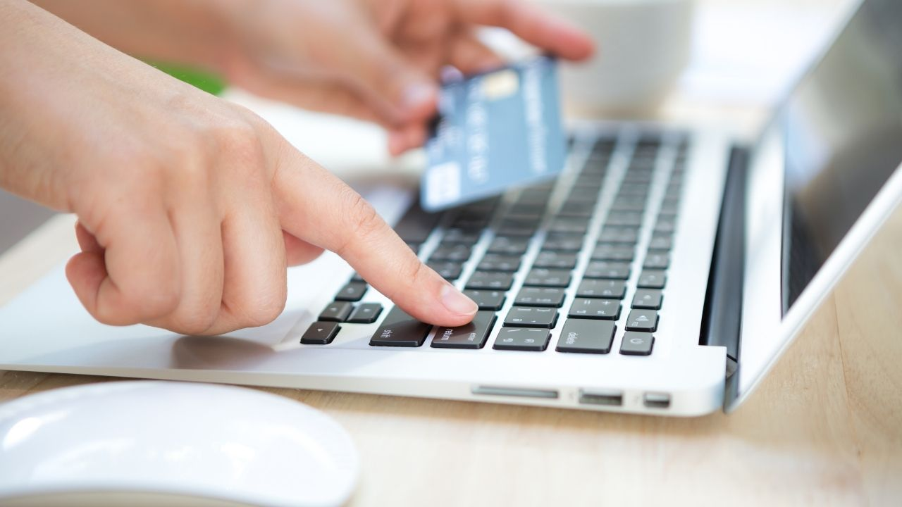 How Payment by Documentary Credit in International Commerce Works?
