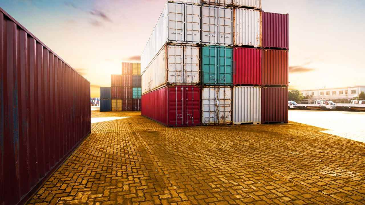 Conditions set-up import company in Vietnam